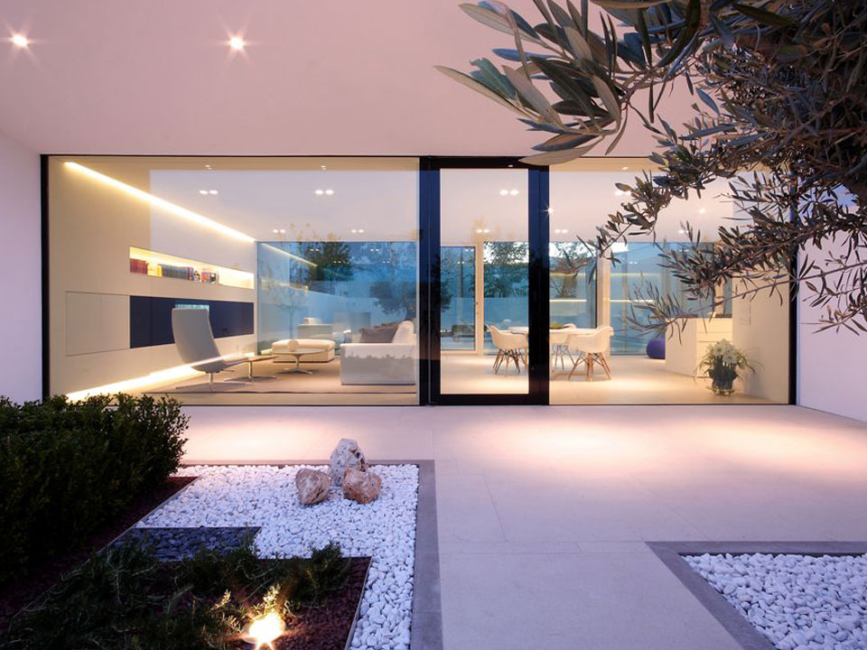 Mixx Engineered Glass & Glass System